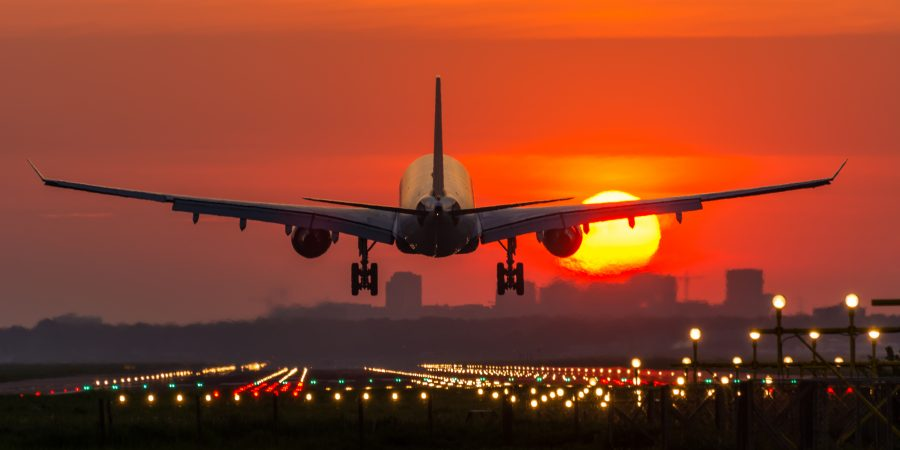 Juicy ways to save money on airline flights Thumbnail